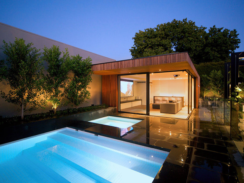 Inner City Pool house by Russell Barrett Architects (1 of 3)